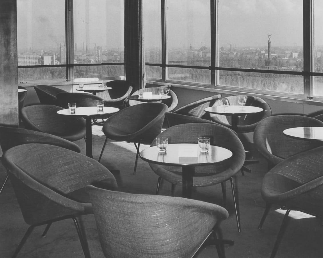 Sessel 369 im Hotel Hilton, Berlin, um 1958